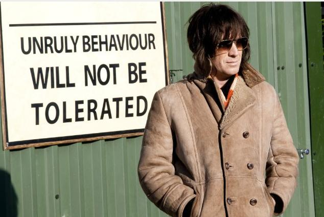 Rhys Ifans as Howard Marks 2